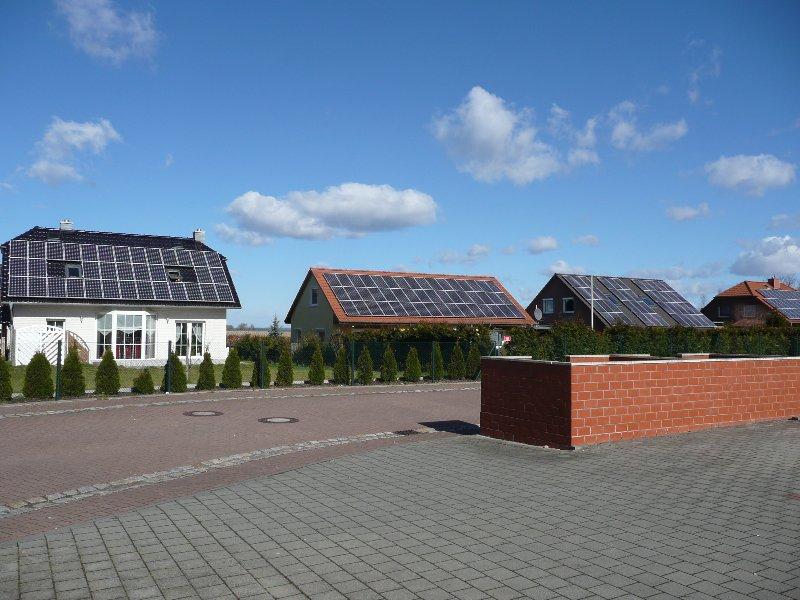 Krüppelwalmdach und Satteldach mit Solar